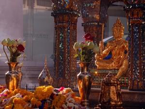 Erawan Shrine, Bangkok, by ~MVI~ via Flickr Creative Commons